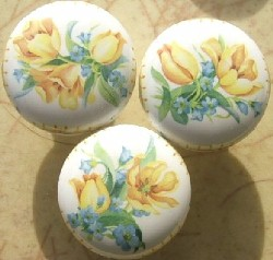 Cabinet Knobs 3 Yellow Lilys pulls flower